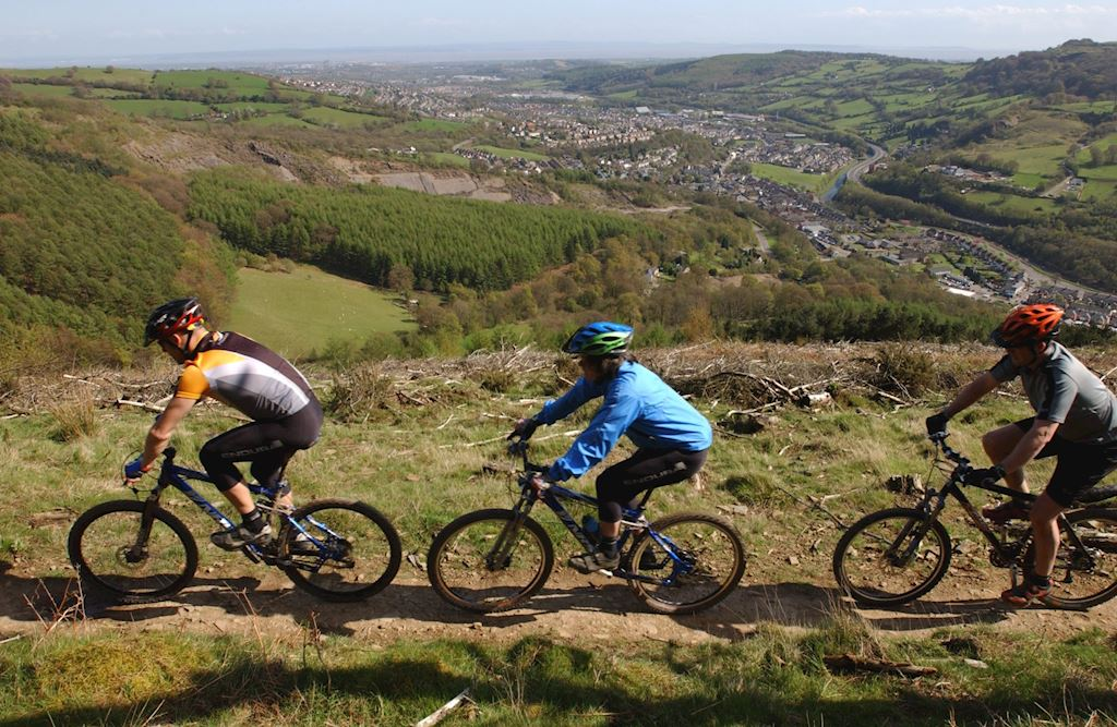 Cyclists on Twrch Trail, Cwmcarn